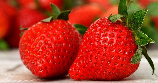 Summer Fruit Strawberries are Safe For Dogs